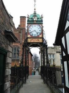 Eastgate Clock - Looking a thumb-nail, magnetic cache ...